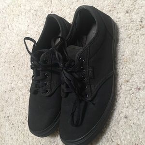 Women's Low Top Vans All Black Sneakers Size 6